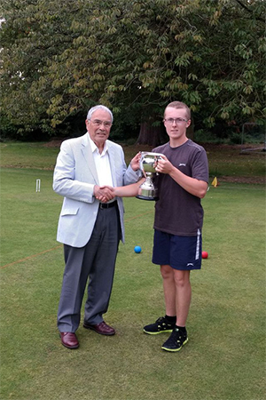 Picture: Marcus Evans - James Galpin, 2017 Junior Singles Champion, with CA President Quiller Barrett